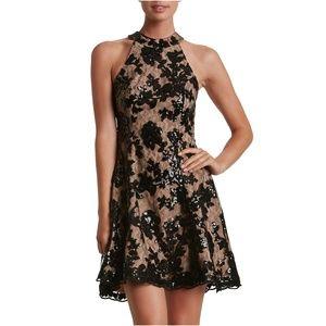 DRESS THE POPULATION Black Lace Abbie Minidress D1